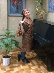 Болоньевый плащ с косыночкой  и сумочка ридикюль