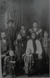 семья Постниковых